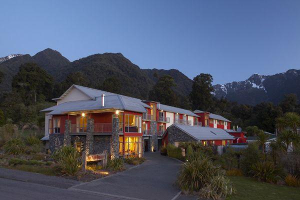 Distinction Fox Glacier Te Weheka Hotel